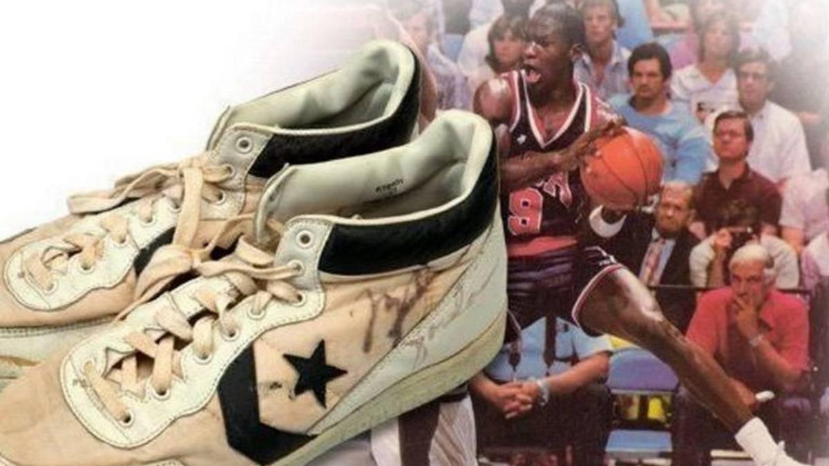 Eliminar eje Coherente  Las zapatillas que usó Michael Jordan contra España, las más caras de la  historia - AS.com