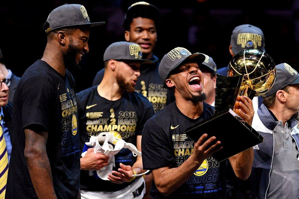 Golden State Warriors - Cleveland Cavaliers. Celebración victoria triunfo de  NBA de Warriors. Nick 07012f5471a