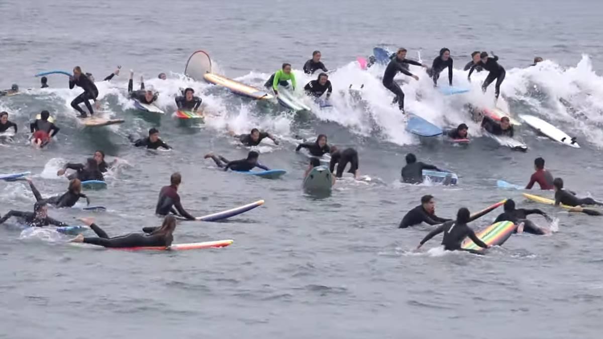 Resultado de imagen de SURF LLENO DE GENTE