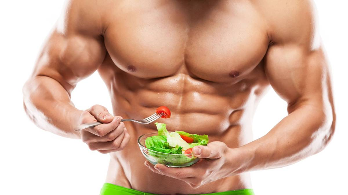 deportista comiendo real food y dieta paleo