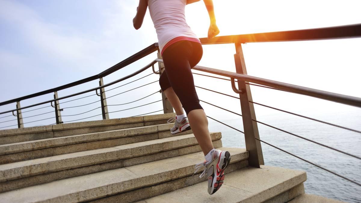 bajar de peso subiendo y bajando escaleras