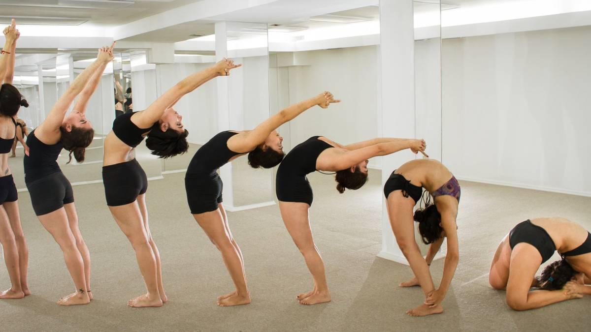 Cómo sobrevivir a una clase de Bikram Yoga - de yoga