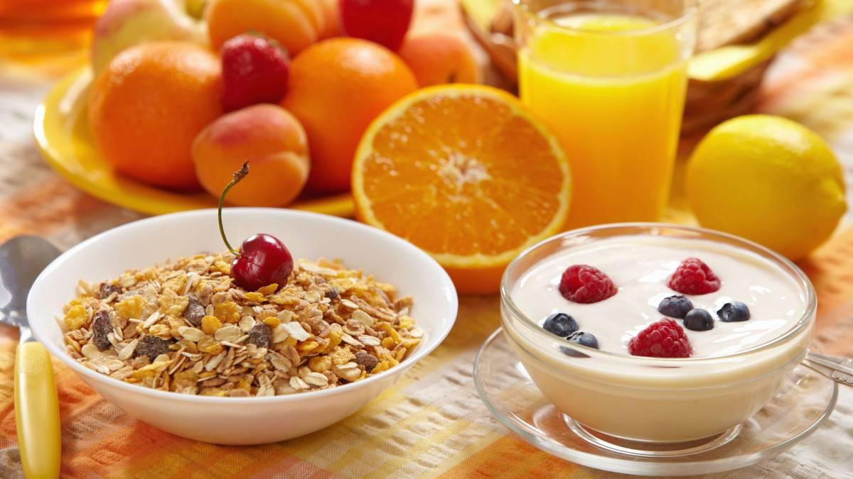 Que debe desayunar un deportista