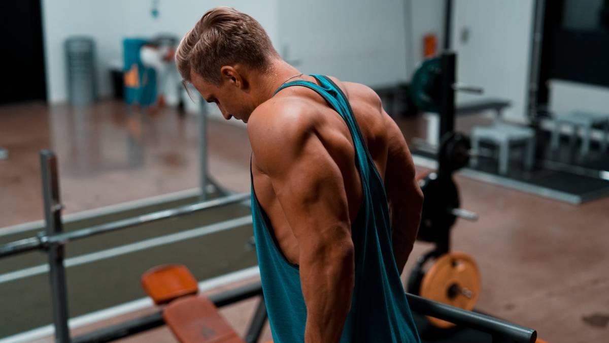Ejercicios para hacer triceps con mancuernas
