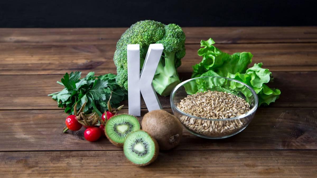 Un bajo nivel de vitamina K empeora a pacientes con COVID-19 - AS.com