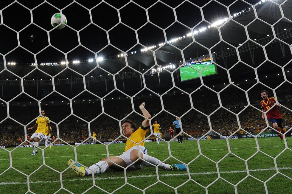 Confederation Cup Calendario.David Luiz Recalls Extraordinary Goal Line Clearance As Com