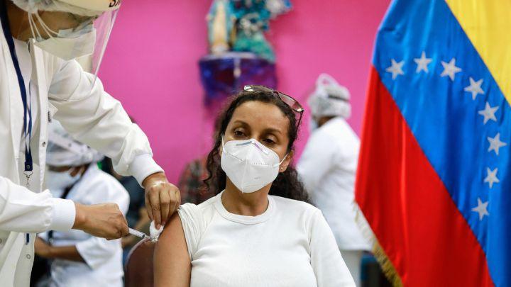 Vacuna Covid-19 en Venezuela: ¿cuándo empieza y por qué hay polémica? -  AS.com