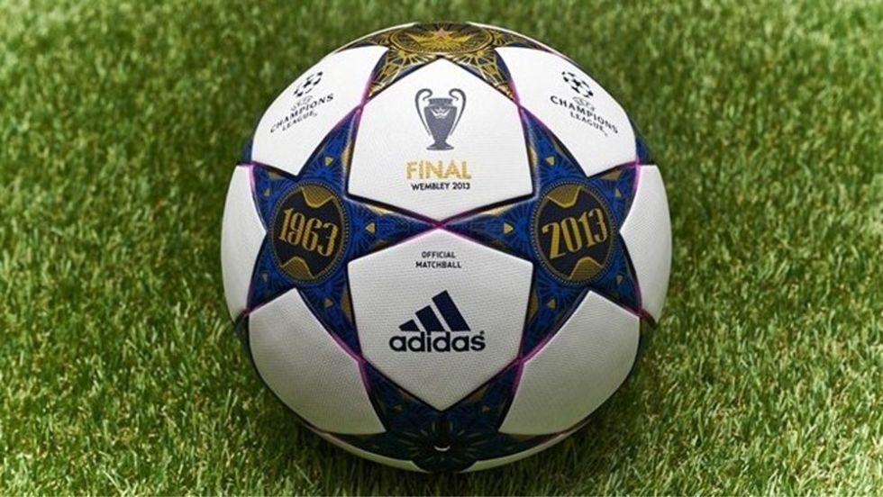 El balón de la final homenajea al mítico estadio de Wembley - AS.com