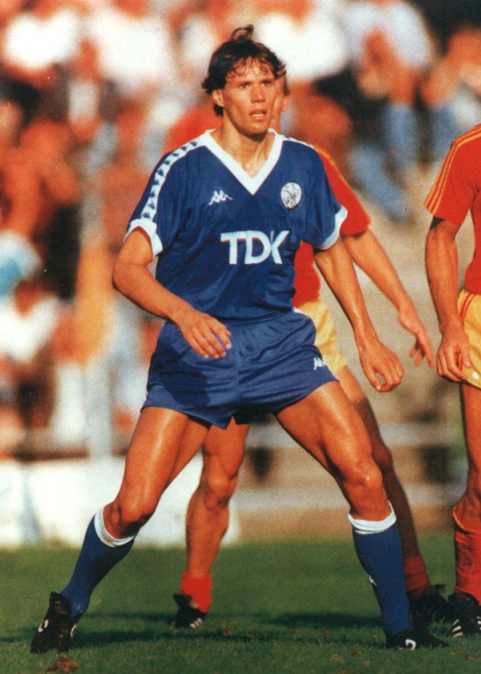 Marco Van Basten cumple 53 a±os AS