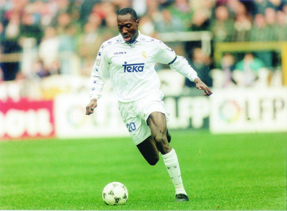 Fredy Rincon a joué au Real Madrid, aux Corinthians et à l'international avec la Colombie.  Il a passé 123 jours en prison pour trafic de drogue dans une prison de Sao Paulo.  Il avait également une ordonnance d'extradition à l'encontre du gouvernement panaméen pour blanchiment d'argent.