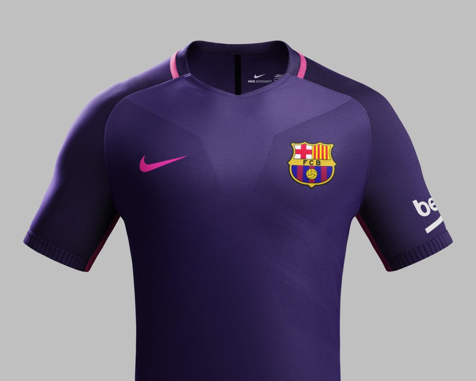 2490c3ab9b5f5 El Barcelona presenta una sorprendente segunda equipación para la 16 ...