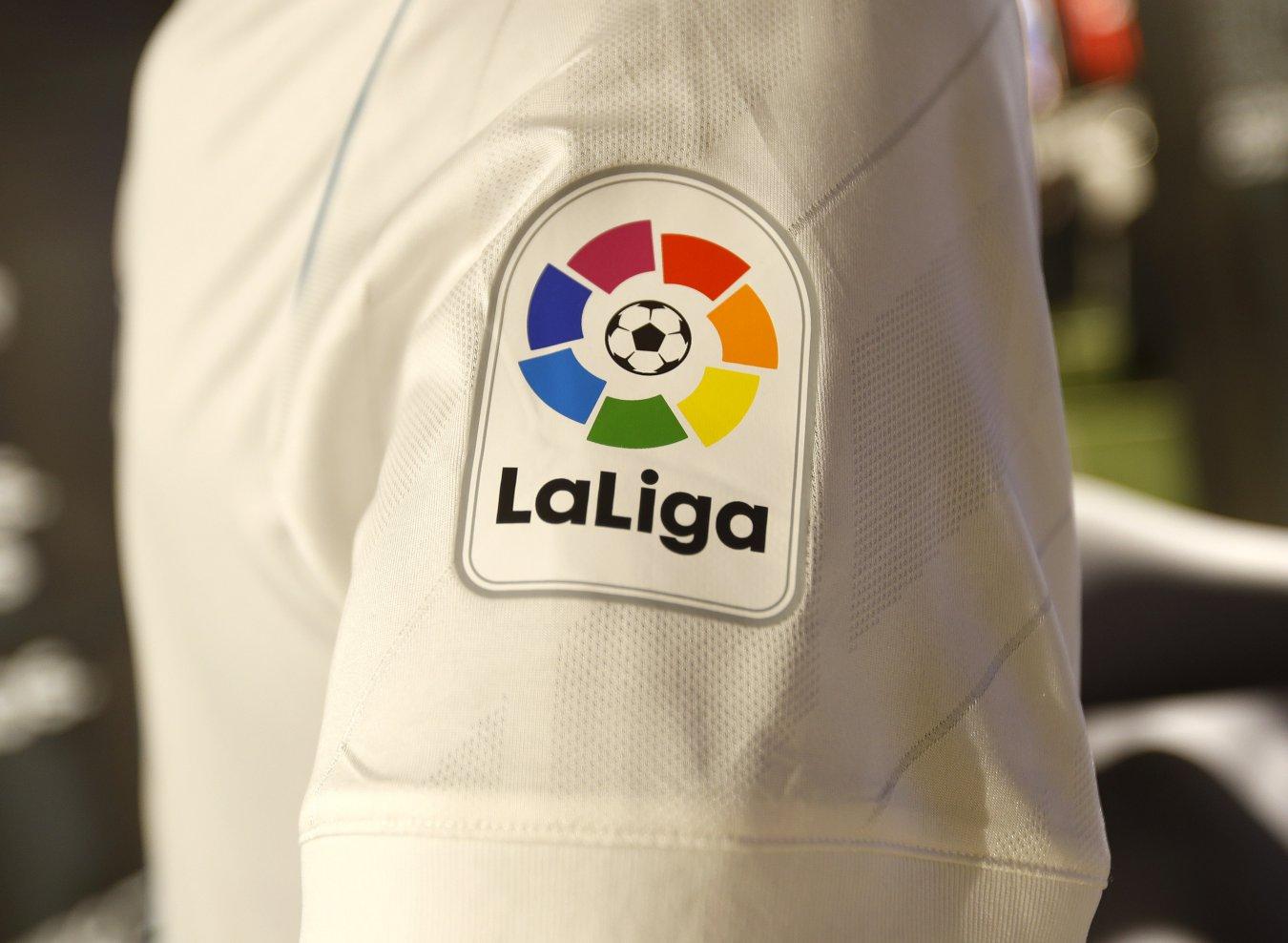 24c70e3d71c16 El Real Madrid presenta sus camisetas para la 2017-2018 - AS.com