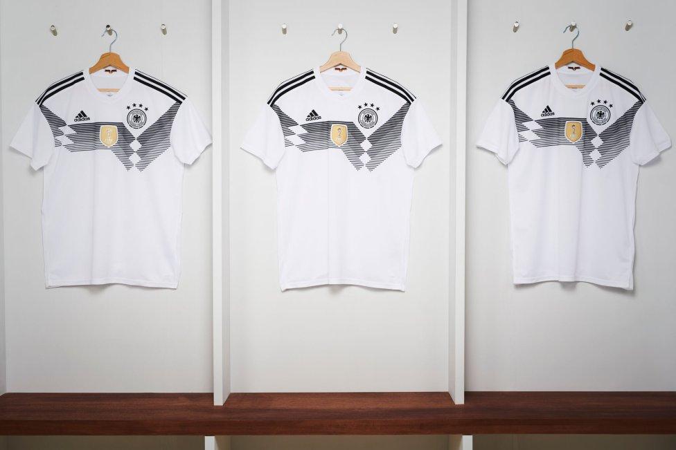 Mundial 2018  Adidas presenta las camisetas mundialistas de sus selecciones  - AS.com ceb8a8724c16b