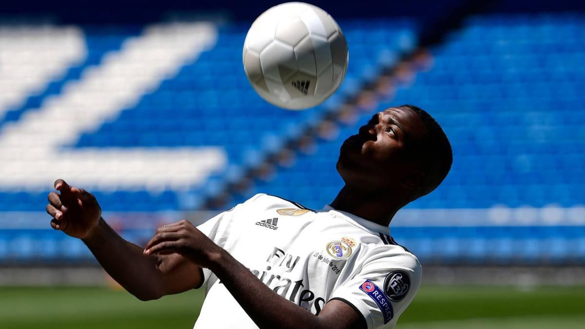 Camiseta Real Madrid Vinicius