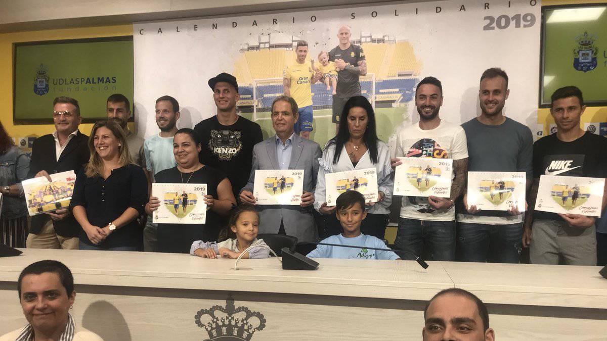 Calendario Palmas.El Calendario Solidario De Las Palmas Se Pondra A La Venta