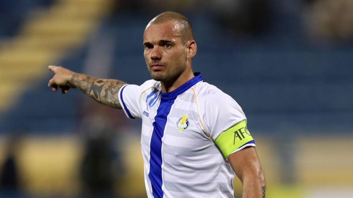 Resultado de imagen para sneijder Al-Gharafa de Qatar.