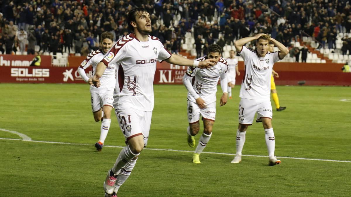 Albacete Balompie Calendario.Resumen Y Goles Del Albacete Vs Alcorcon De La Liga 1 2 3