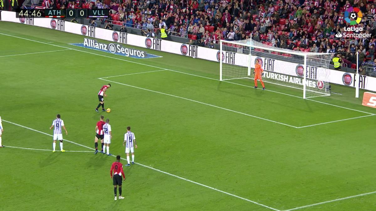 Así fue el curioso penalti sin carrera de Aduriz al Valladolid - AS.com 5c0d7ac4c2a73