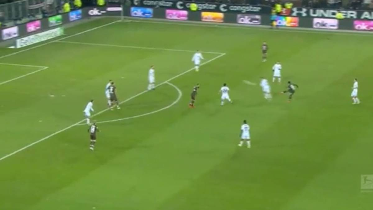 El golazo de Allagui para poner en ascenso al St  Pauli