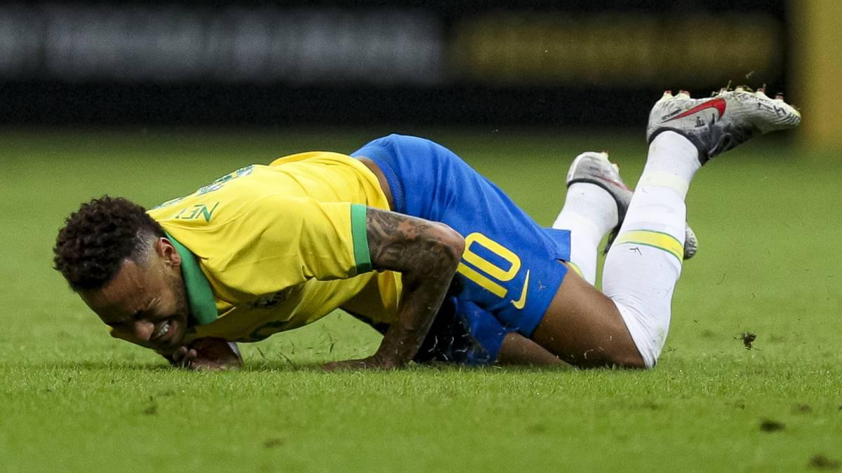 Resultado de imagen para neymar brasil lesion