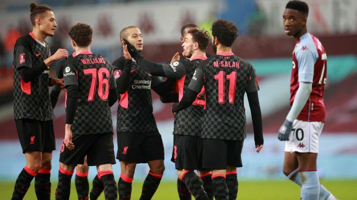 Liverpool aplasta a Aston Villa y avanza en el FA Cup, Sadio Mané marcó un doblete