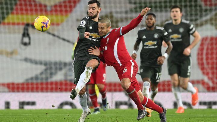 Liverpool y Manchester United quedan a deber con empate sin goles, los Red Devil mantienen su liderato