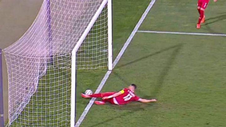 Árbitro comete un increíble error en el juego entre Serbia y Portugal, CR7 abandonó la cancha tras la marcación
