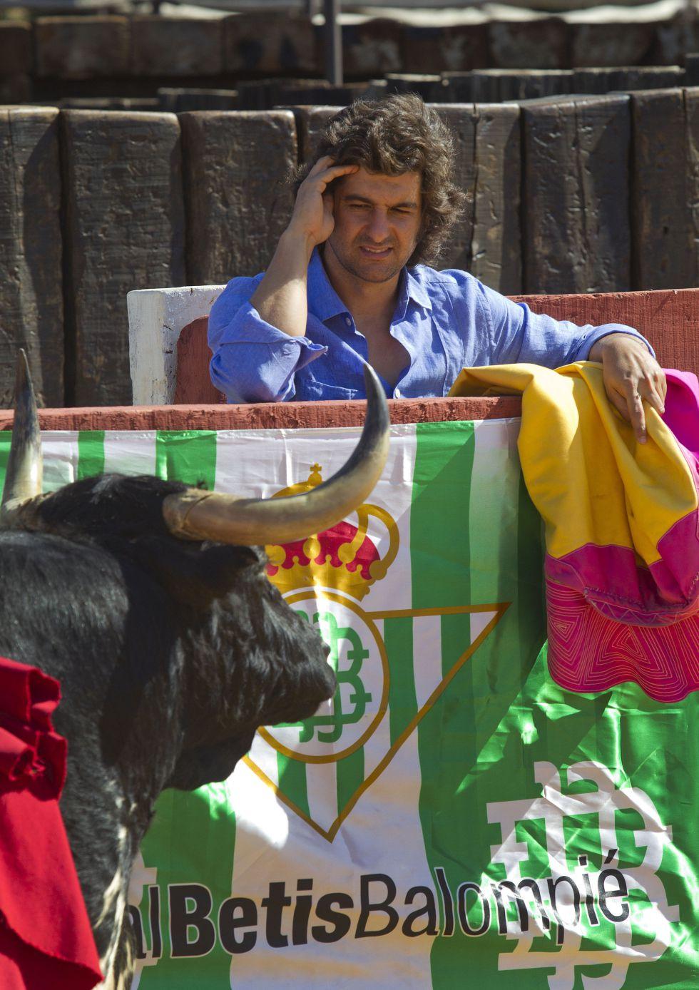Una foto de Morante cada día - Página 13 1382146503_158214_1382146606_noticia_grande