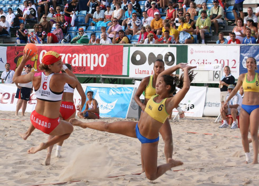 Logran Batalla Las Playa La Del Chicas Balonmano Bikini Ganar KJ3TlF1c