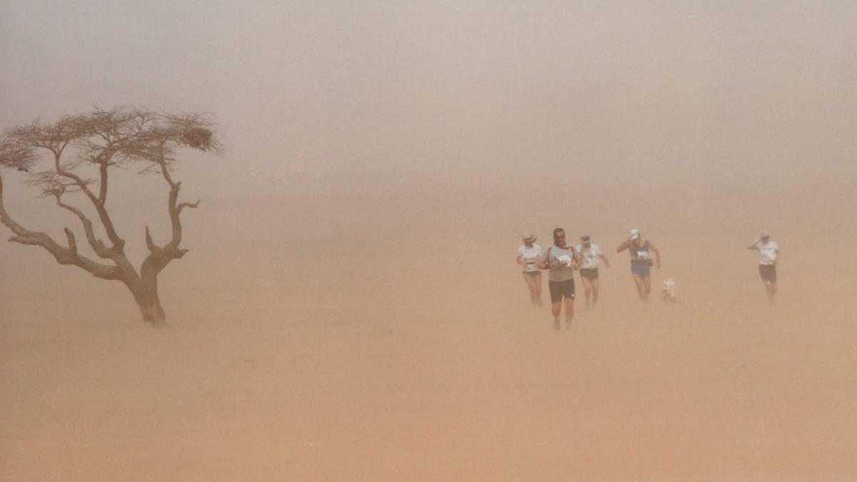 """Resultado de imagen para """"En el Sahara Marathon no importa ganar: cada paso cuenta por el pueblo saharaui"""""""