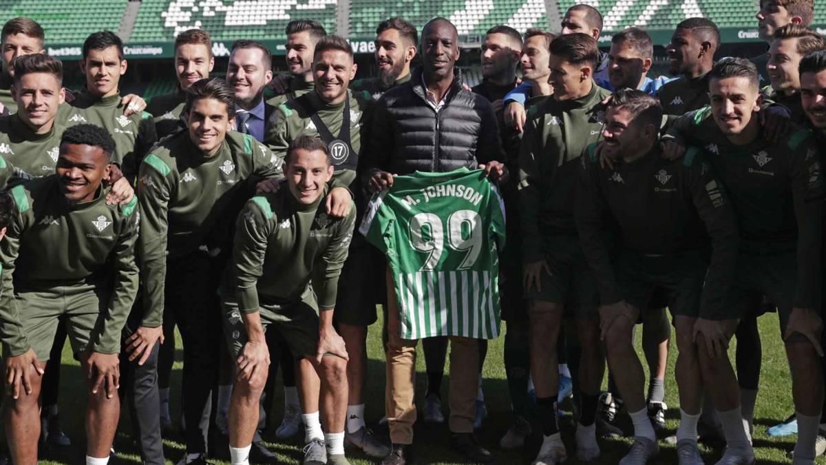 Johnson Volvio A Sevilla 20 Anos Despues De Su Record As Com
