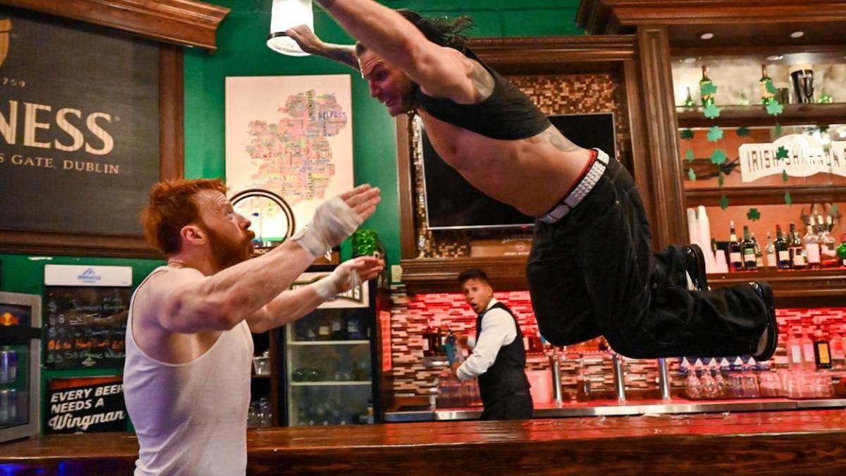 Jeff Hardy salda cuentas con Sheamus en una pelea de bar - AS.com