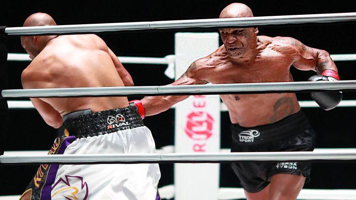 Mike Tyson y Roy Jones Jr. empatan en una exhibición real - AS.com