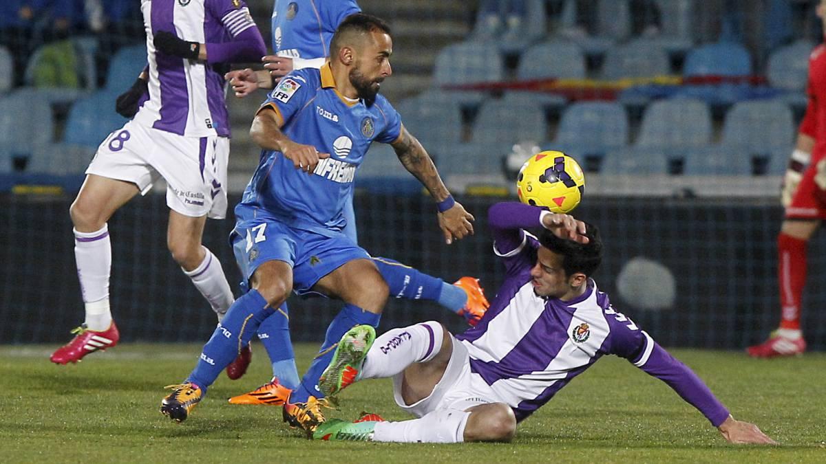 Girona y Getafe se acercana un Levante que no pudo jugar su partido en Murcia por el temporal.