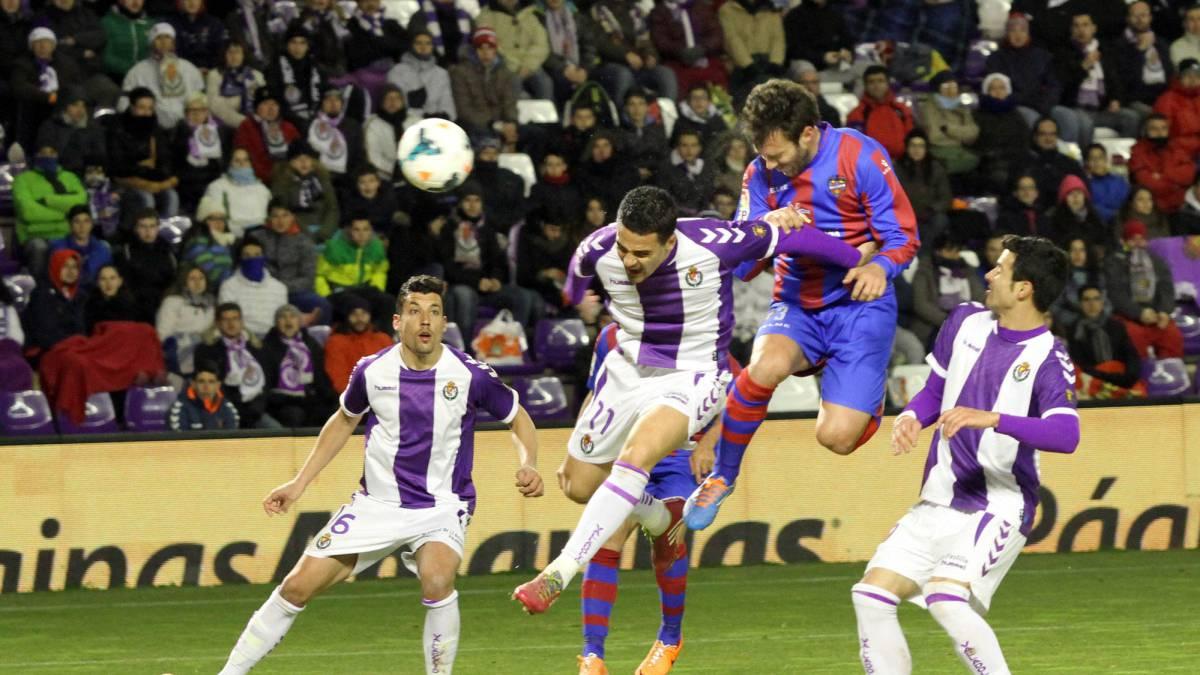 El Levante continua imparable hacia primera y vence 0-4 en el José Zorrilla