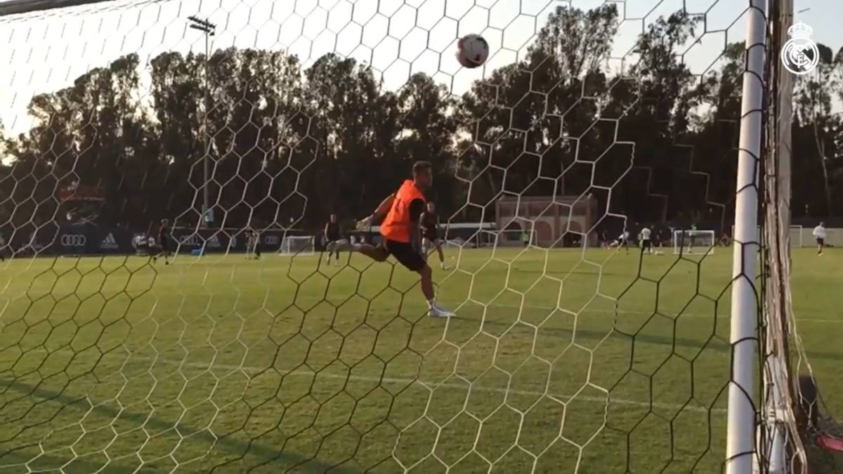 Bend it like Gareth: Bale's training ground 'golazo' in slow motion