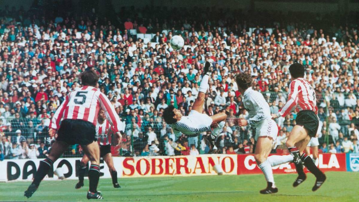 Image result for hugo sanchez chilena
