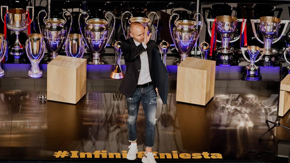 c01476861 La memorable despedida a Iniesta en el Camp Nou - AS.com