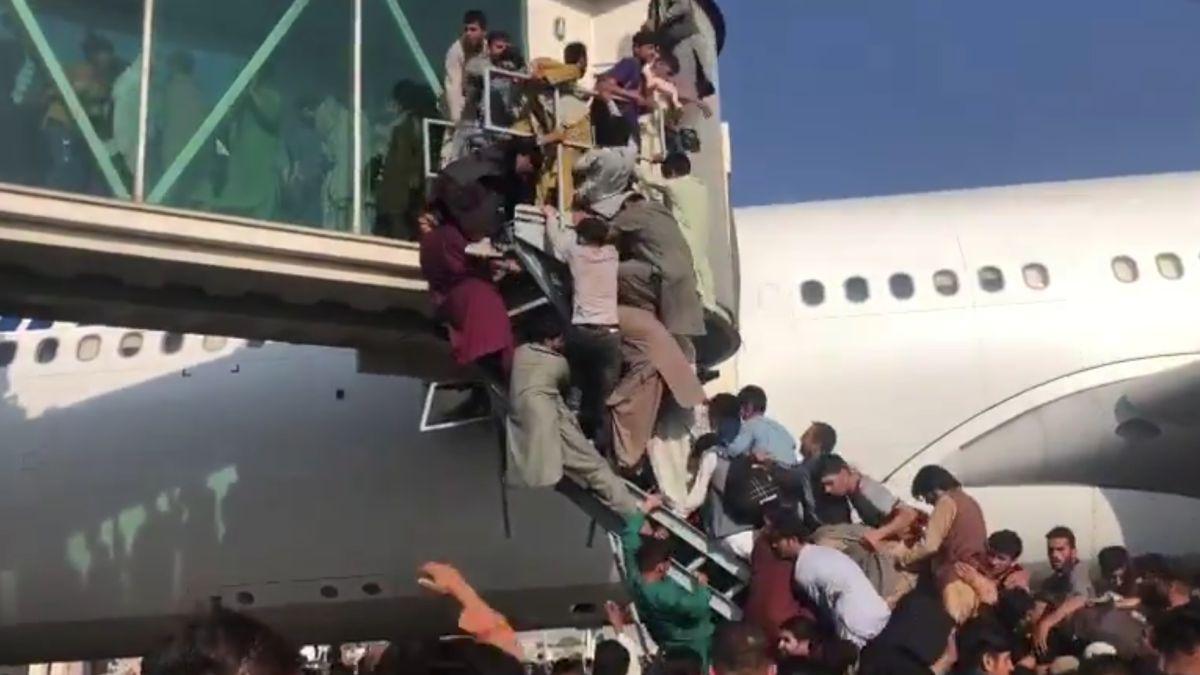 El horror en el aeropuerto de Kabul